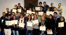 Les jeunes heureux d'avoir reçu leur tout premier diplôme.  Photo Marie-Chantal Daspres